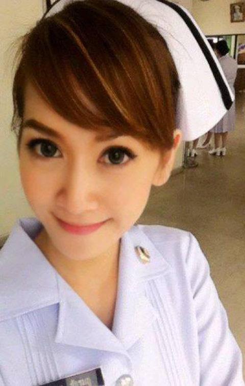 エロ過ぎてクビになった(?)というタイの看護師さんの画像集(28枚)・25枚目