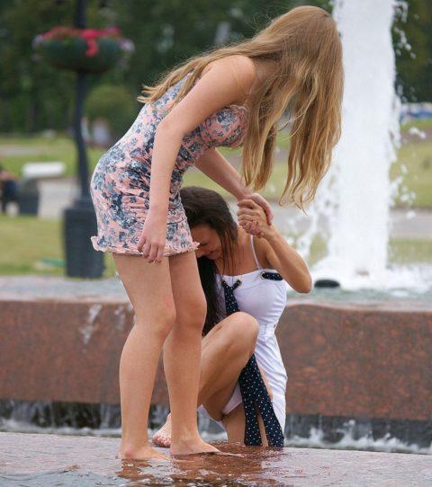 【盗撮】初夏の噴水がパンチラスポットだって知ってた?(画像30枚)・26枚目