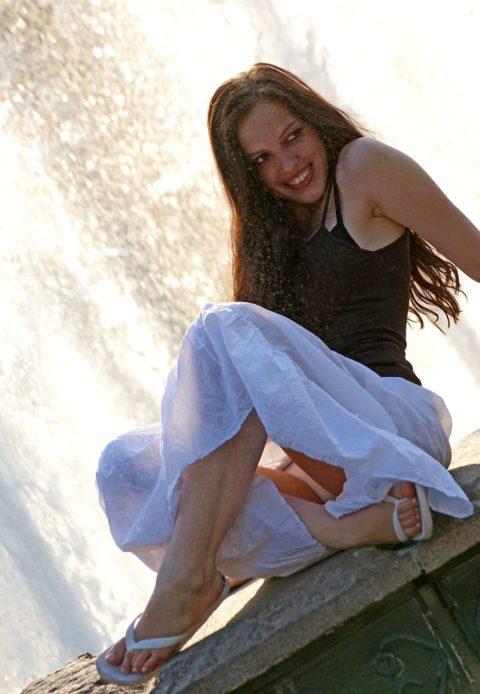 【盗撮】初夏の噴水がパンチラスポットだって知ってた?(画像30枚)・27枚目