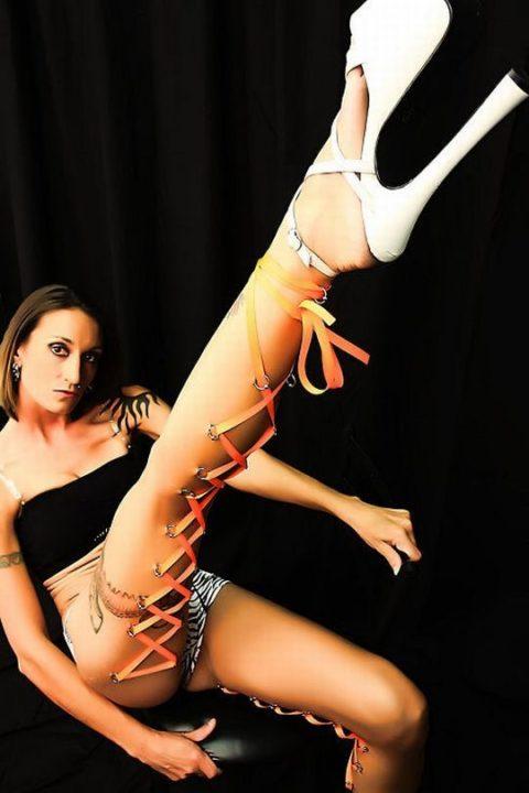 【コルセットピアス】常軌を逸した女がやるボディピアスの進化系(画像30枚)・28枚目