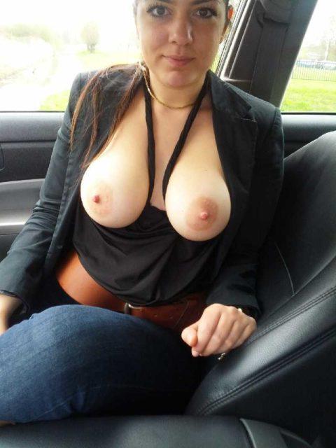 ドライブ露出という初級の露出プレイ、尚見つかったら逮捕だから注意しろよ!(画像26枚)・4枚目
