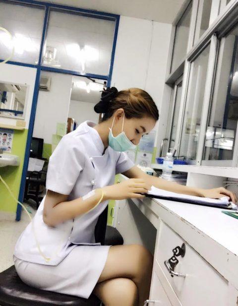 エロ過ぎてクビになった(?)というタイの看護師さんの画像集(28枚)・7枚目