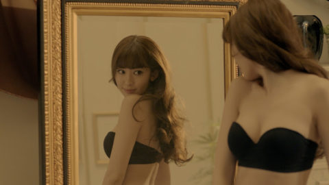 【チンピク不可避】女性芸能人が魅せた下着姿のセクシー画像集(30枚)・7枚目