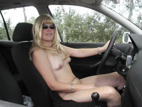 ドライブ露出という初級の露出プレイ、尚見つかったら逮捕だから注意しろよ!(画像26枚)・8枚目