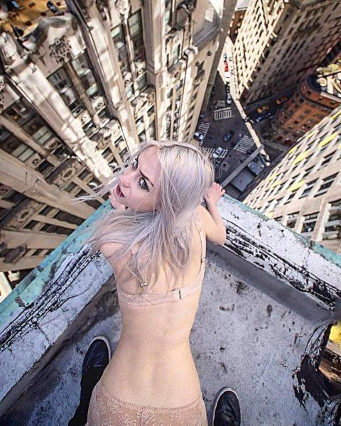 高所と美女のヌードがWでチンコを刺激してくれるセクシー画像集(30枚)・1枚目