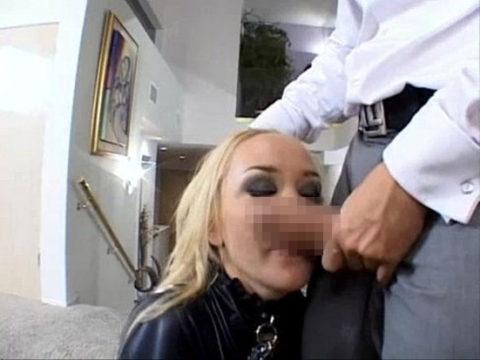 フェラチオの前にチンコの臭いを嗅ぐ女はビッチ確定wwwwwwwwwww(画像28枚)・10枚目