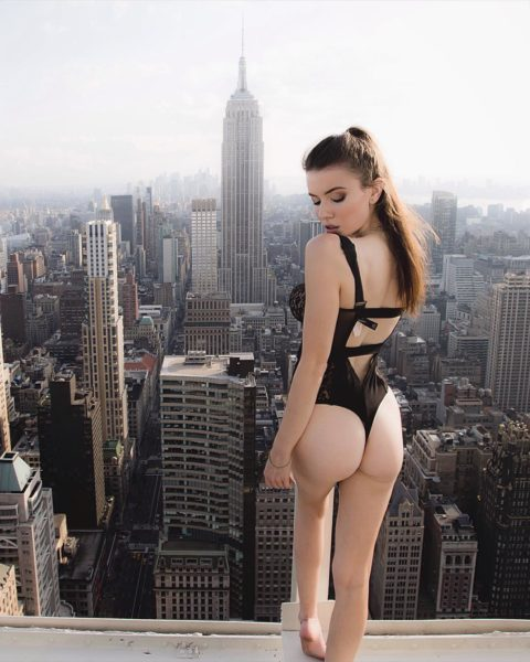 高所と美女のヌードがWでチンコを刺激してくれるセクシー画像集(30枚)・10枚目