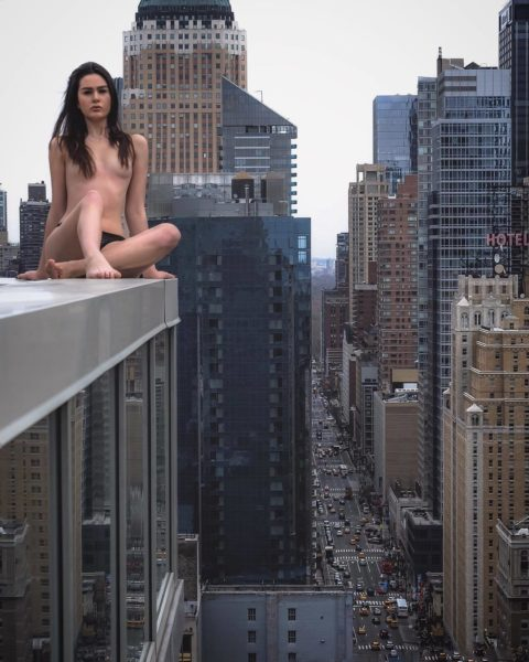 高所と美女のヌードがWでチンコを刺激してくれるセクシー画像集(30枚)・12枚目