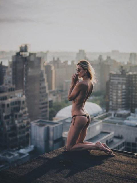 高所と美女のヌードがWでチンコを刺激してくれるセクシー画像集(30枚)・13枚目
