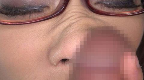 フェラチオの前にチンコの臭いを嗅ぐ女はビッチ確定wwwwwwwwwww(画像28枚)・14枚目