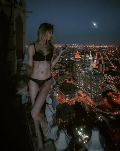 高所と美女のヌードがWでチンコを刺激してくれるセクシー画像集(30枚)・14枚目