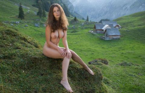 大自然に負けてない美女の野外ヌード画像集(30枚)・16枚目