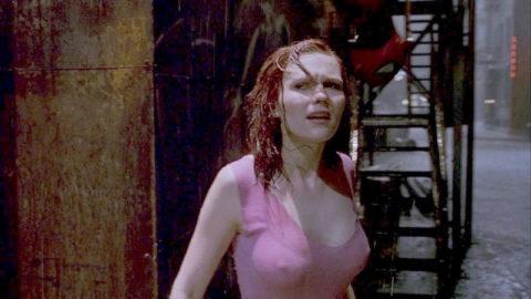 【透け乳首あり】ズブ濡れはりつきオッパイのスケベさは異常・・・(画像27枚)・18枚目