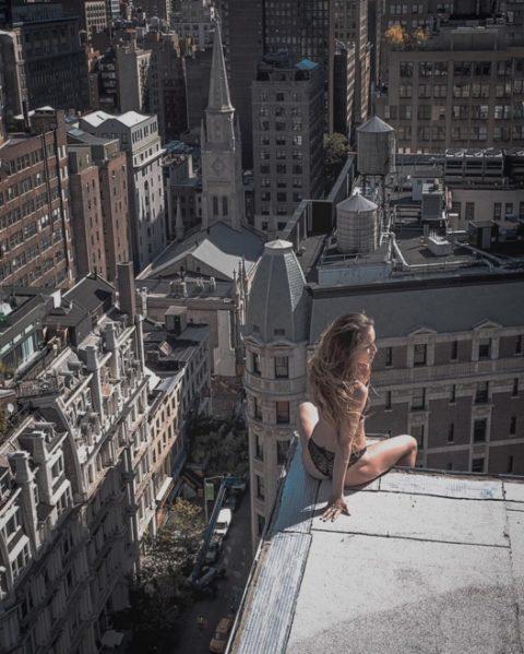 高所と美女のヌードがWでチンコを刺激してくれるセクシー画像集(30枚)・2枚目