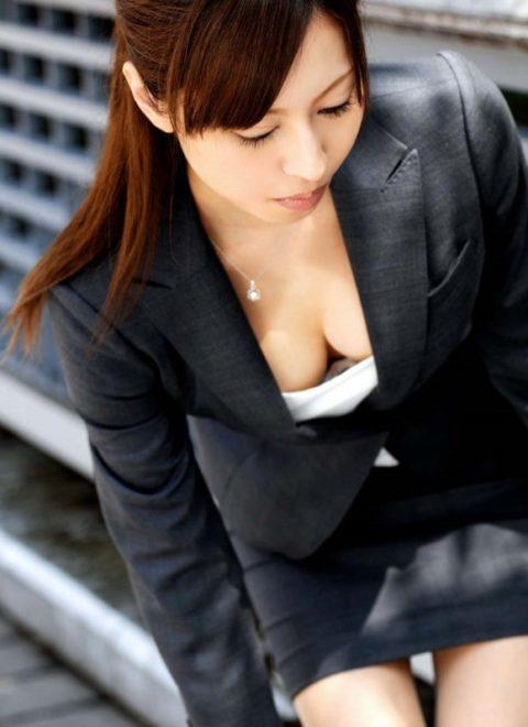 女を全面に押し出してるOLのセクシー画像集(30枚)・20枚目