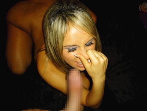 フェラチオの前にチンコの臭いを嗅ぐ女はビッチ確定wwwwwwwwwww(画像28枚)・25枚目