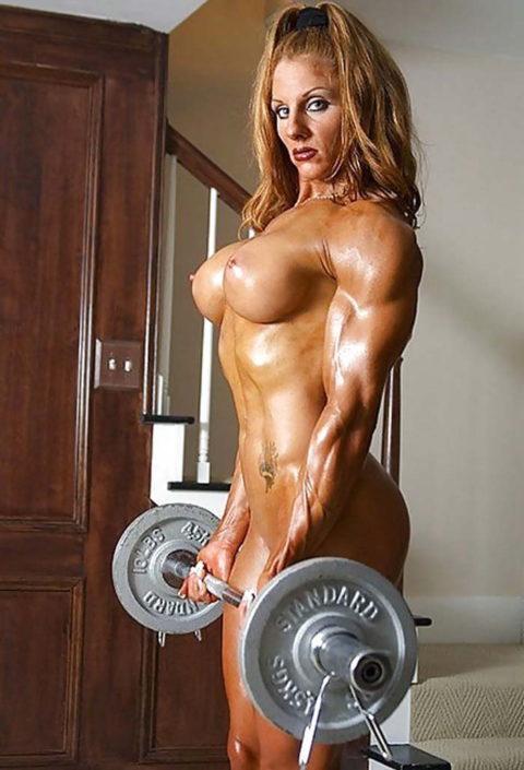 こんなジムは嫌だ!全裸でトレーニングする女子がエロ過ぎて集中できない・・・(画像30枚)・28枚目