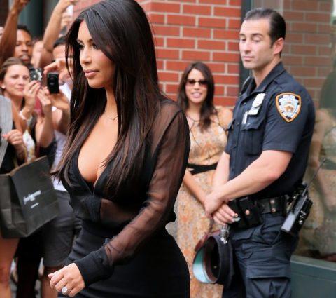 男たちの熱い視線を独り占めしてる美女たちのセクシー画像集(26枚)・3枚目