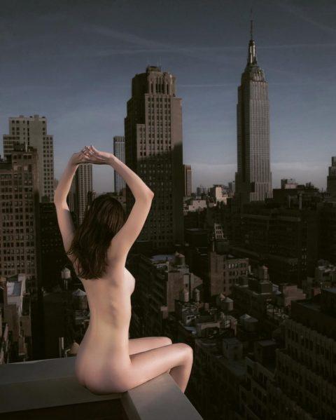 高所と美女のヌードがWでチンコを刺激してくれるセクシー画像集(30枚)・30枚目