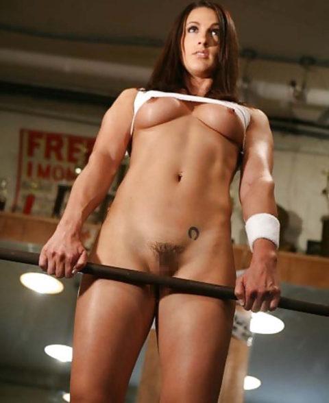 こんなジムは嫌だ!全裸でトレーニングする女子がエロ過ぎて集中できない・・・(画像30枚)・4枚目
