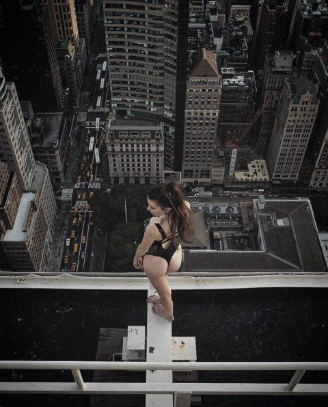 高所と美女のヌードがWでチンコを刺激してくれるセクシー画像集(30枚)・7枚目