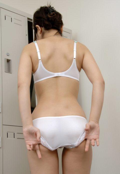 【パンティ直し】高チンピク指数な女の子のしぐさがこちら(画像19枚)・6枚目