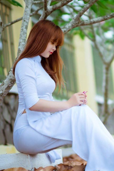 ベトナム行ったら一発でヤラれちゃうアオザイ美女たちの画像集(25枚)