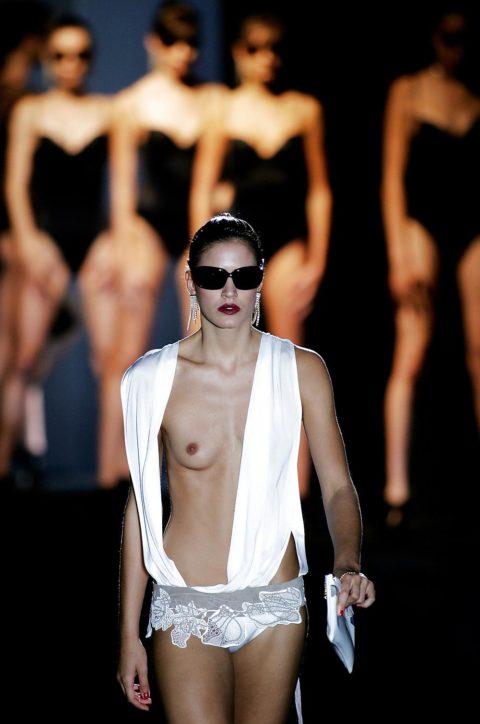 【乳首必須】抜けるファッションショーの画像集(30枚)・14枚目