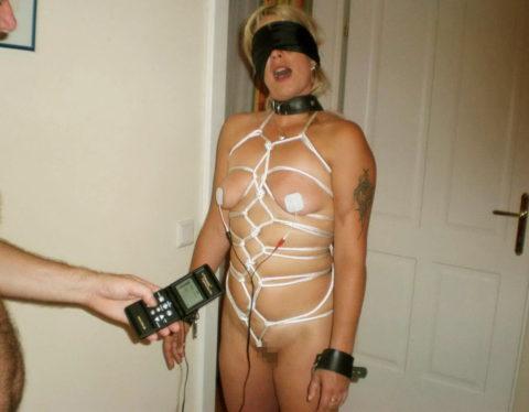 【SM調教】女を電流でビリビリさせる拷問プレイ画像集(30枚)・17枚目