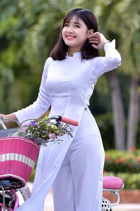 ベトナム行ったら一発でヤラれちゃうアオザイ美女たちの画像集(25枚)・3枚目