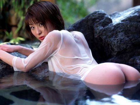 乳首解禁初級によく使われる濡れ透けエロ画像集(30枚)・11枚目