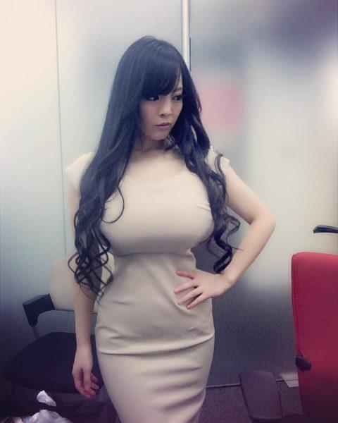 韓国女性の着衣巨乳のエロさは異常wwwwwwwww(画像37枚)・12枚目