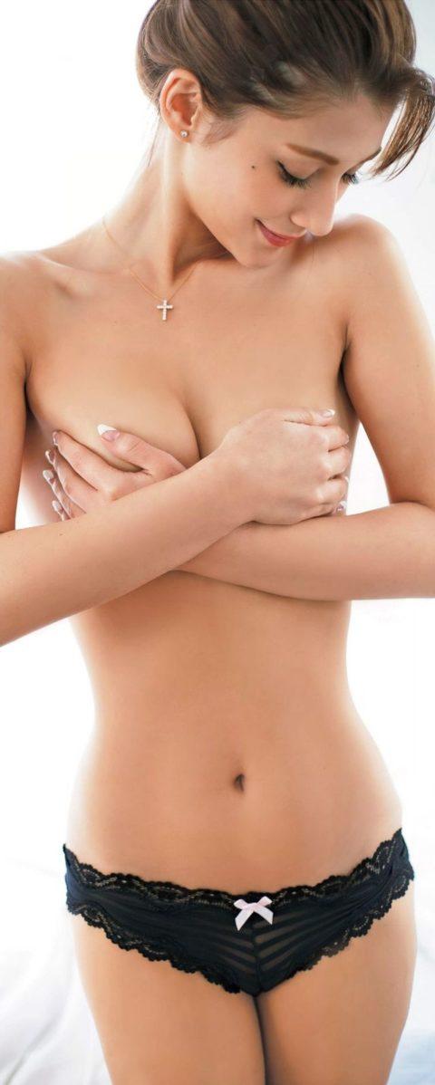 【お宝画像】ダレノガレ明美さん、乳首をアップしてしまったエロ画像集(83枚)・38枚目