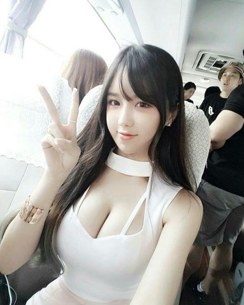韓国女性の着衣巨乳のエロさは異常wwwwwwwww(画像37枚)・16枚目