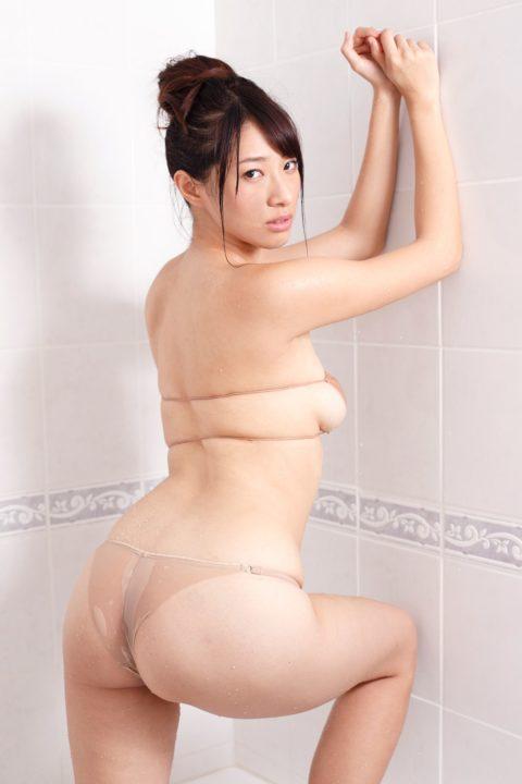 肌と同化して裸に見えてしまうドエロい水着画像集(38枚)・19枚目