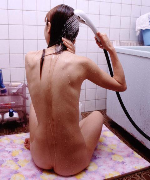 シャワー浴びてる彼女の後姿撮ったったwwwwwって画像集(26枚)・15枚目