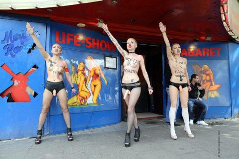 【おっぱい】トップレスで抗議デモを行う海外の女性露出団体のエロ画像(37枚)・29枚目