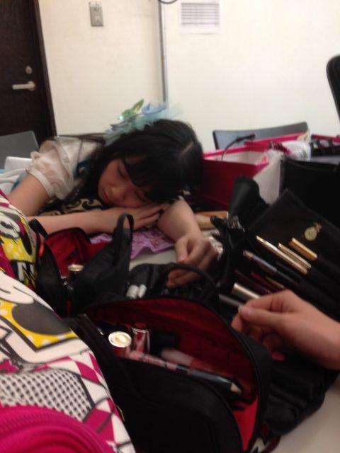 寝顔を盗撮されてうpされるAKB48メンバーたちの画像集(25枚)・1枚目