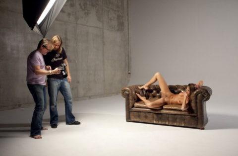 【撮影風景】カメラマン、絶対勃起してるの図がこちらwwwwwwww(画像あり)・14枚目