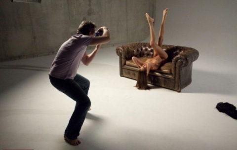 【撮影風景】カメラマン、絶対勃起してるの図がこちらwwwwwwww(画像あり)・28枚目