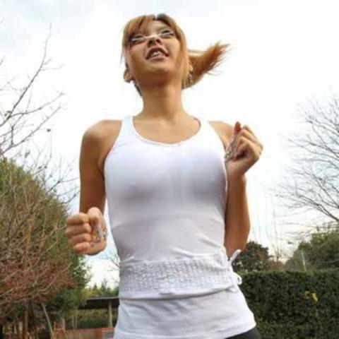 ジョギング女子のおっぱいがエロくて我慢できない(画像33枚)・4枚目