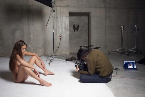 【撮影風景】カメラマン、絶対勃起してるの図がこちらwwwwwwww(画像あり)・5枚目