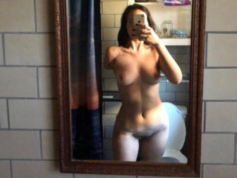 妙にセクシーな片腕欠損女子のエロ画像集(34枚)・1枚目