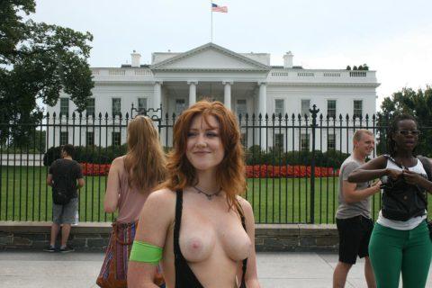 【勃起不可避】海外の裸族さんたちをご覧ください(画像35枚)・16枚目
