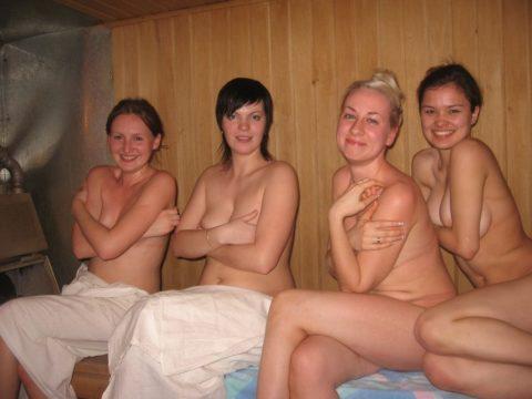 海外の混浴サウナが美女のオマンコ天国な件(画像31枚)・18枚目