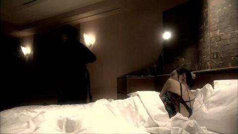 【栗山千明】伝説の児ポヌードは見せられないけどこんなにセクシーになりました(画像64枚)・18枚目