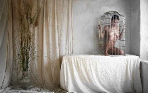 【調教中】鳥かごで飼育されてる性奴隷たちの画像集(25枚)・19枚目