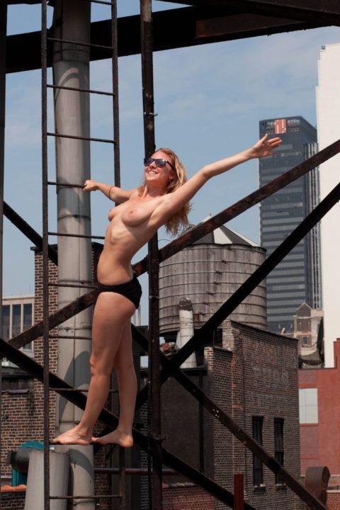【勃起不可避】海外の裸族さんたちをご覧ください(画像35枚)・2枚目