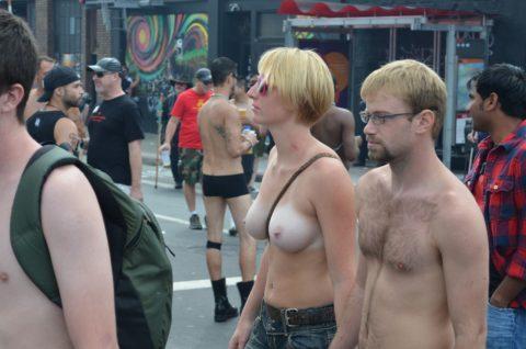 【勃起不可避】海外の裸族さんたちをご覧ください(画像35枚)・21枚目