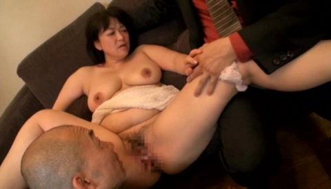 だらしない体した豊満熟女の放漫なセックス画像集(29枚)・22枚目